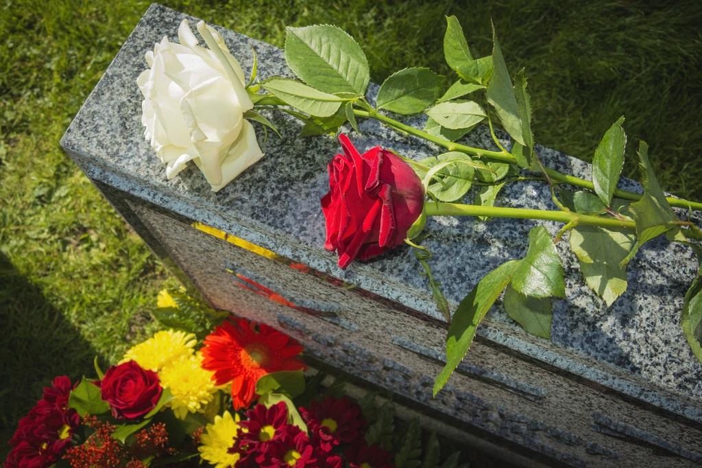 Urnenbestattung - Beerdigungsinstitut Mombour in Mühlheim an der Ruhr